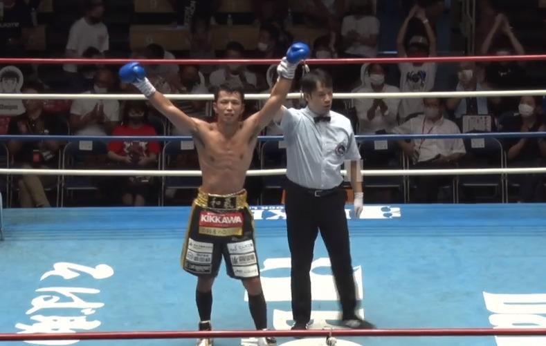 和氣選手が4度ダウンを奪い6ラウンドKO勝利!